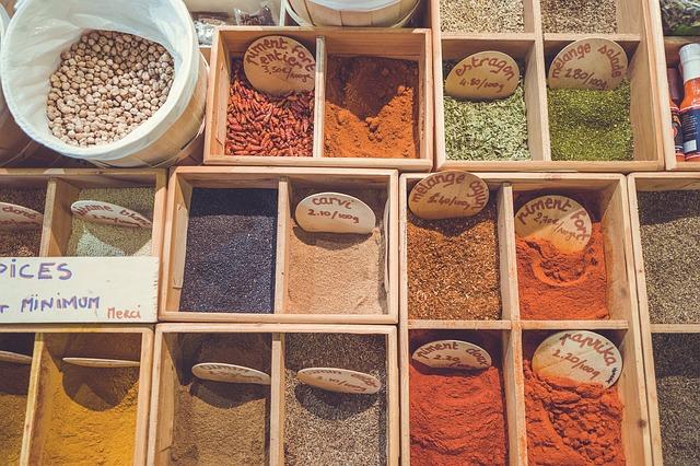 Fűszerek Marseille piacán - a kasbah